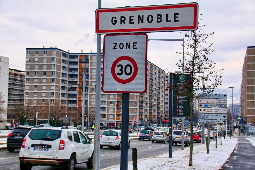 Grenoble Ville à 30 - porte d'entrée de la ville