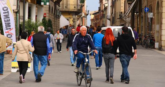 Cohabitation piétons - cyclistes à Rimini