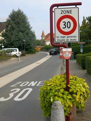 Totem zone 30 à St Sulpice (Vaud)