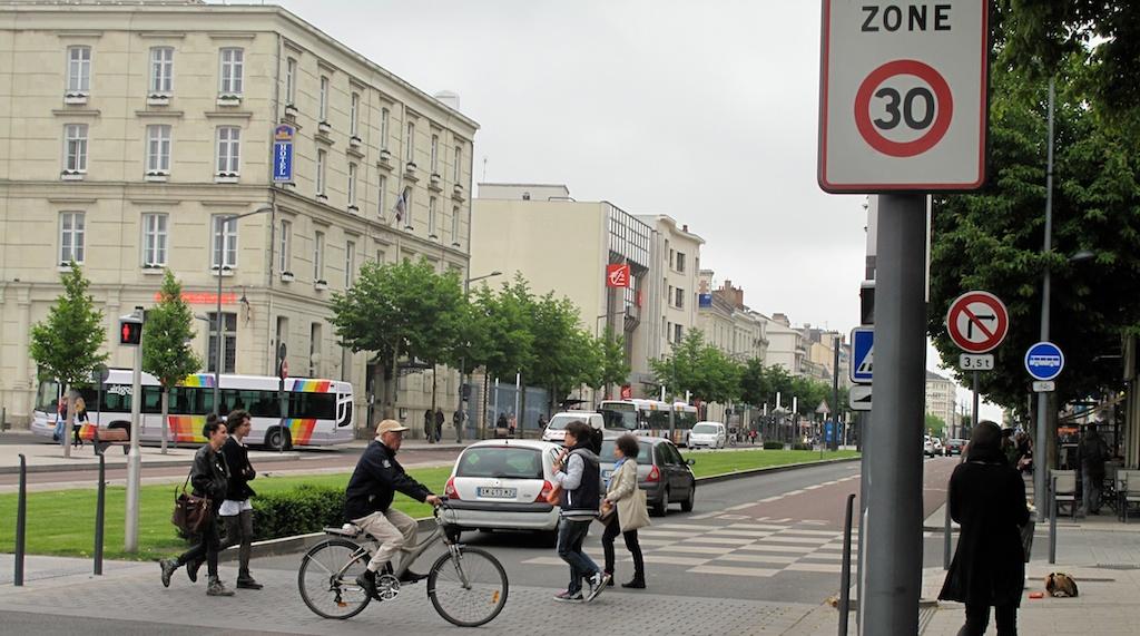 https://rue-avenir.ch/wp-content/uploads/files/resources/Angers-ville-a-30-14.jpg